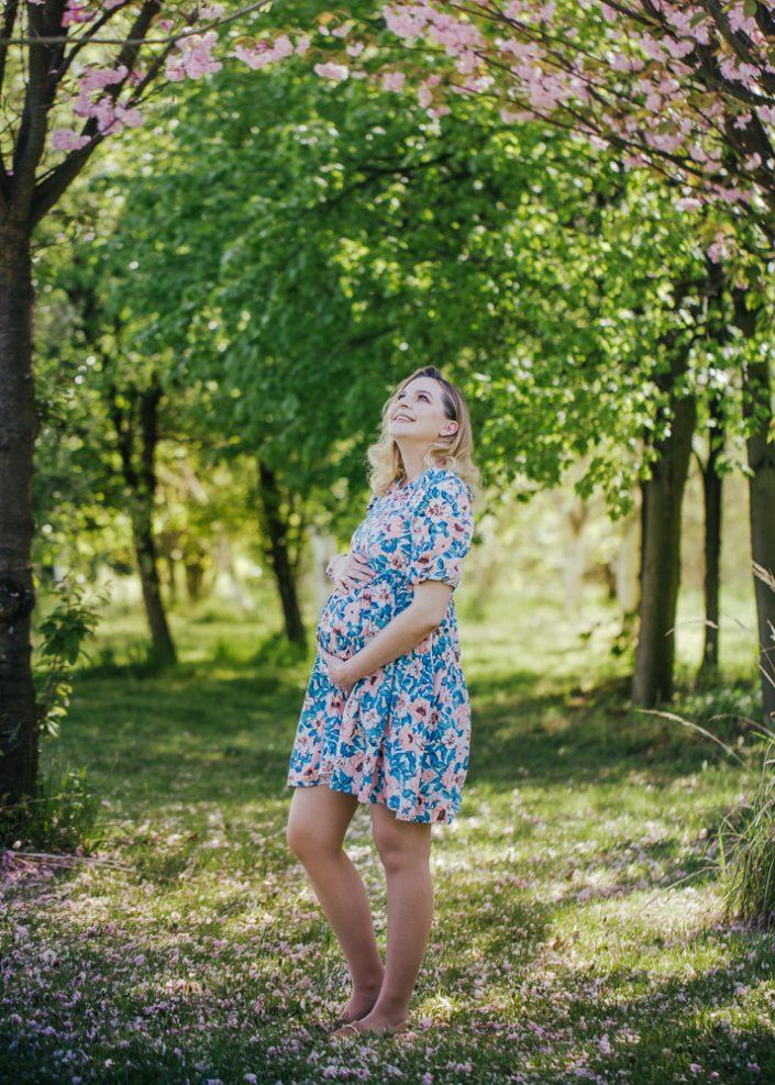 Sesja ciążowa pod Krakowem - plener, fotograf Kraków